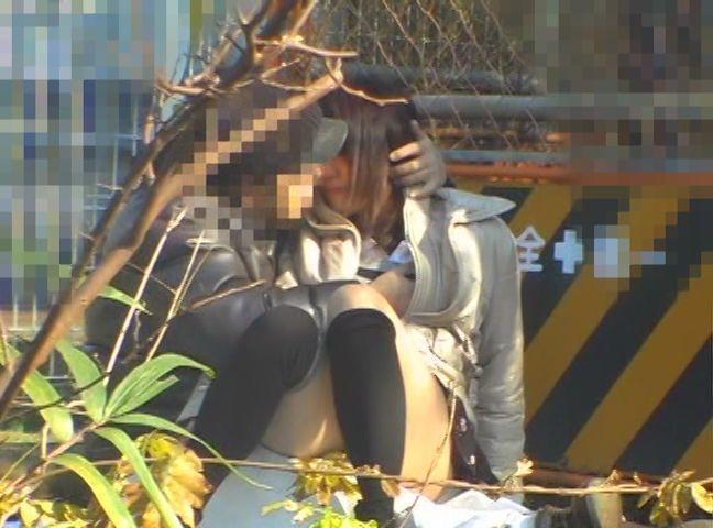 【無料動画】メガネ×制服が似合う女の子に中出し6人