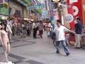究極の露出プレイ動画 路上・コンビニ・繁華街・衆人環視の中で全裸露出